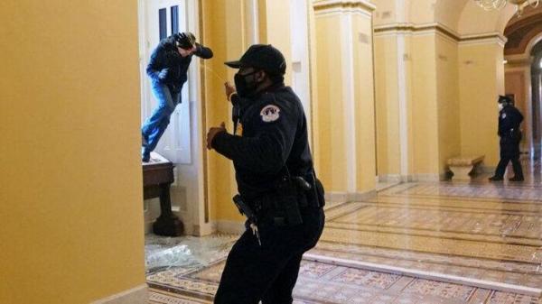 سناتور رامنی: حمله به کنگره شورش تحریک شده توسط ترامپ بود