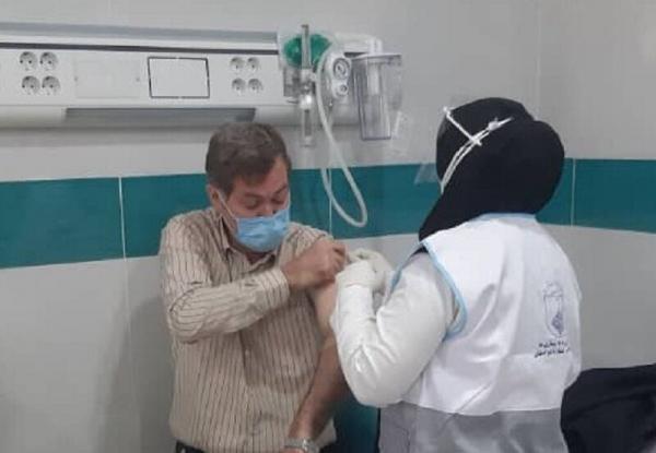 خبرنگاران انجام واکسیناسیون سد امیدبخش برای مقابله با ویروس کرونا