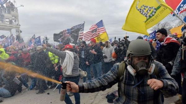 پسران مغرور به توطئه برای حمله به کنگره آمریکا متهم شدند