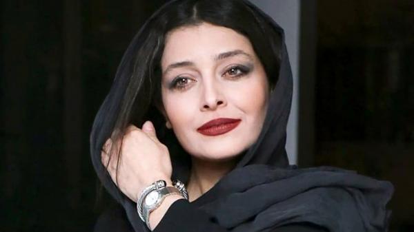 تیپ راحتی ساره بیات در خانه اش